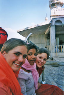 Kristin's Life in the DTS India Mosque